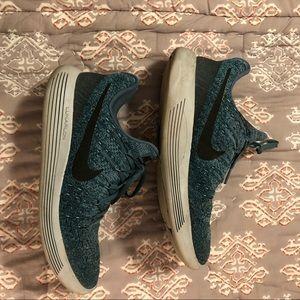 Nike Size 9.5 Sneaker